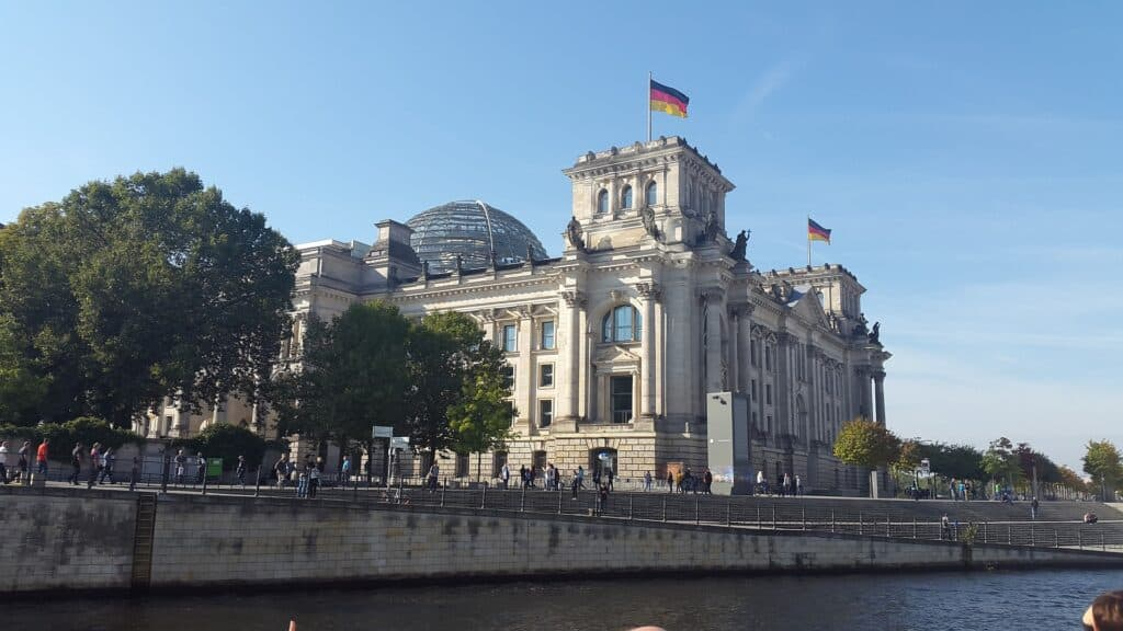 kanalrundfart berlin reichtag