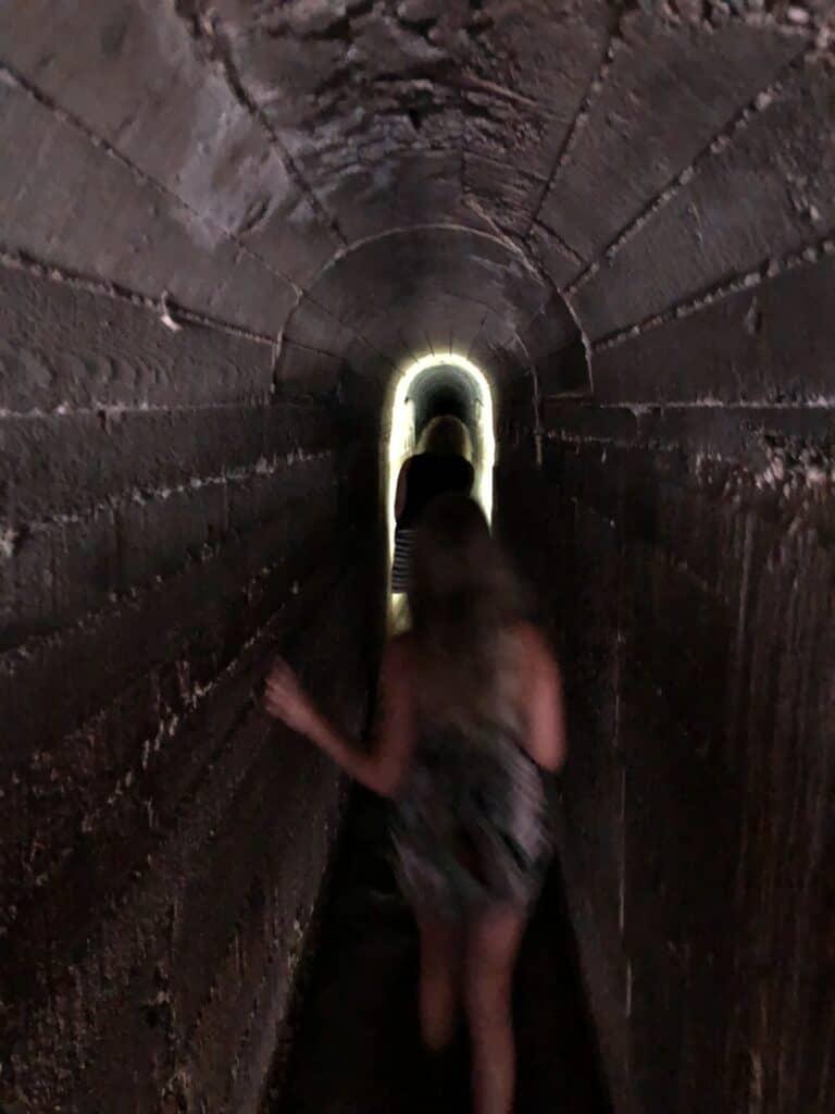 syv kilder Rhodos gennem tunnel